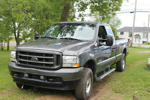 2004 Ford F-350 XLT Camionnette