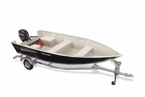 PRINCECRAFT HOLIDAY WITH 30HP MERCURY AND TRAILER $10,00