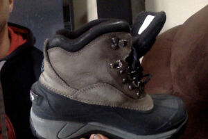 Winter boots columbia size 7.5 boys