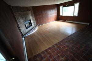 Live in Country Sunningdale & Wonderland 1700 Sq Ft 2 Bed + Den London Ontario image 4
