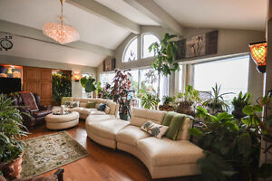 Build Your Ocean-View Dream Home Or Enjoy This Updated Home! Downtown-West End Greater Vancouver Area image 5
