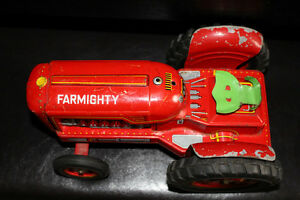 Collectible Vintage Red Tractor Tin Toy!!! Farmighty. London Ontario image 3