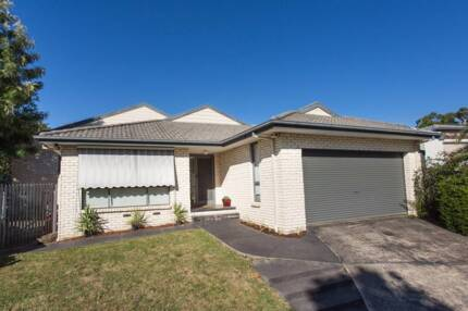 A single room in rowville for rent