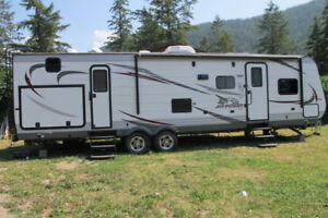 2015 Jayco 32ft trailer - bunk bed + 2 slide out/tiny house