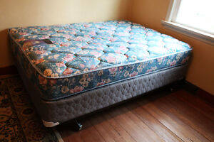 GREAT DEALS on Queen & Single Mattresses w/Box Springs