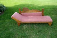 Beautiful Antique Fainting couch chaise lounge