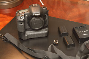 Canon 7D with Battery Grip, Two Batteries, Charger, BlackRapid Kitchener / Waterloo Kitchener Area image 1