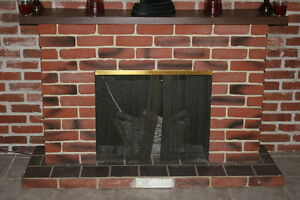 brick imitation fireplace doesnt throw heat