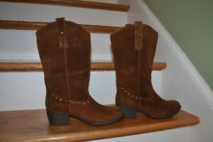 NEW SIZE 9 LADIES SUEDE COWBOY BOOTS