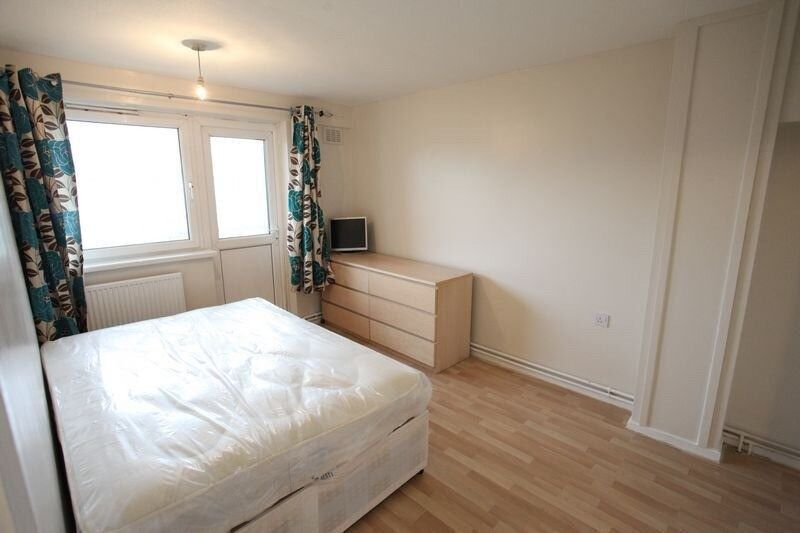 Double for 2 available near Canary / Stratford