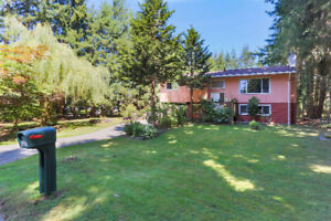 Terrific, Private House On A Nearly 1 Acre Lot In Salmon River