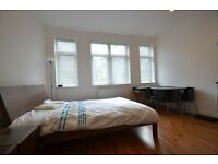 Studio flat in Manningtree Street, E1