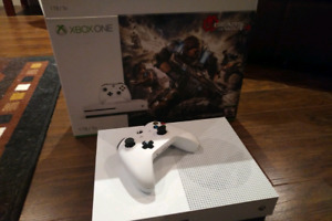 XBox One S 1TB with Elite controller and 11 games