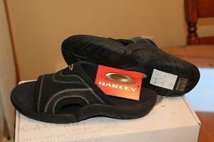 "BRAND NEW Men's Oakley ""Smoke"" Sandals"
