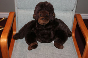 Stuffed gorilla - NEVER played with