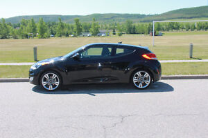 2012 Hyundai Veloster tech package LOW KM