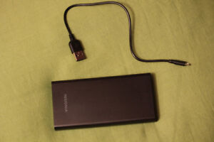 Chargeur USB Insignia 8000mAh Power Bank noir
