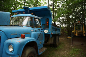 Camion International 1973 dompeur