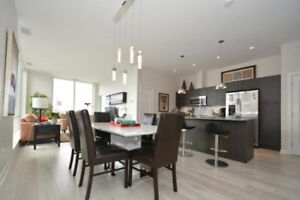 OPEN CONCEPT 2BR+DEN IN KINGS WHARF!! BEST CITY VIEWS!!