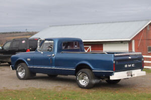 1967 GMC 910 Long Bed Half-ton. Small back window