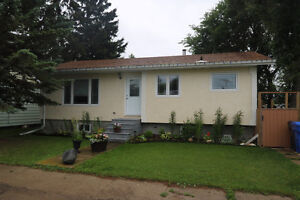 This 3 bedroom bungalow's ready for a new owner! Regina Regina Area image 2