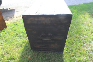 Old Antique Settler's Box/Chest London Ontario image 5