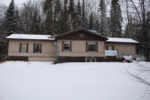 3 Bedroom Home on 65 Acres Peterborough Peterborough Area image 1