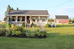 South Shore cottage, sleeps 6, steps from the beach, quiet area!