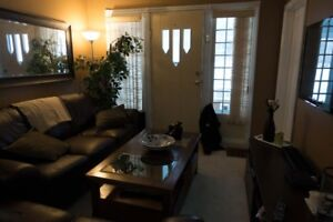 Port Credit, Mississauga - 2 Bedroom House Rental