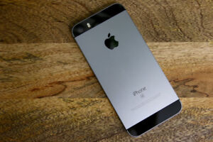 APPLE IPHONE SE 64GB SPACE GREY UNLOCK MINT CONDITION