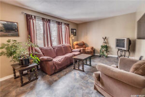Excellent Well Cared for Home located in Glencairn