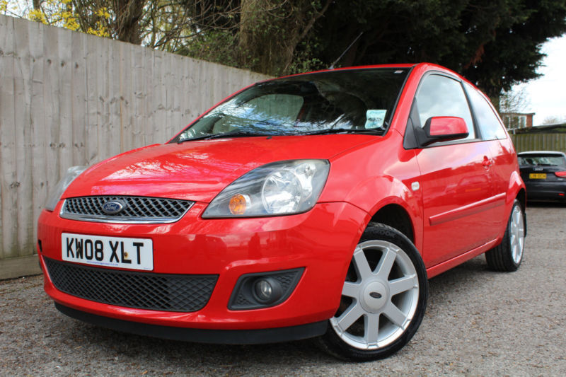 Ford Fiesta  Tdci Zetec Climate K   Mpg P X In Hinckley Leicestershire Gumtree