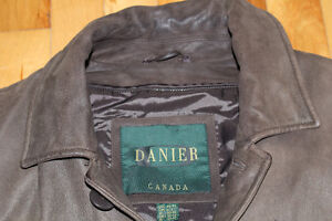 BEAUTIFUL BROWN DANIER GENUINE LEATHER JACKET LARGE!! Gatineau Ottawa / Gatineau Area image 2