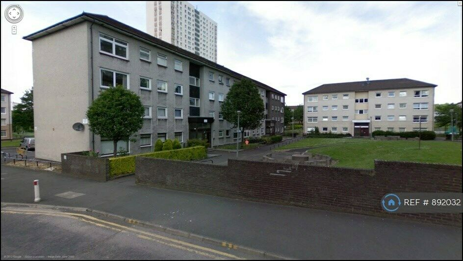 4 bedroom flat in **Hmo Licensed** St Mungo Ave, Glasgow ...