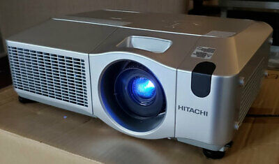 HITACHI CP-X605 PROJECTOR ONLY 48 LAMP HOURS!