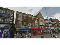 Lovely studio flat on second floor available in Hendon, HB and DSS accepted.