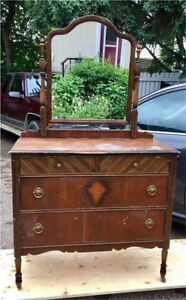 Antique Dresser w/mirror