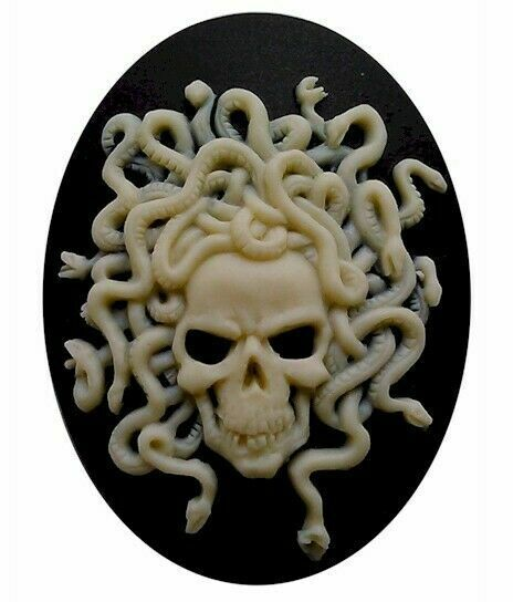 40x30mm Skull Skeleton Zombie Goth Style Black and Ivory Resin Cameo 821x