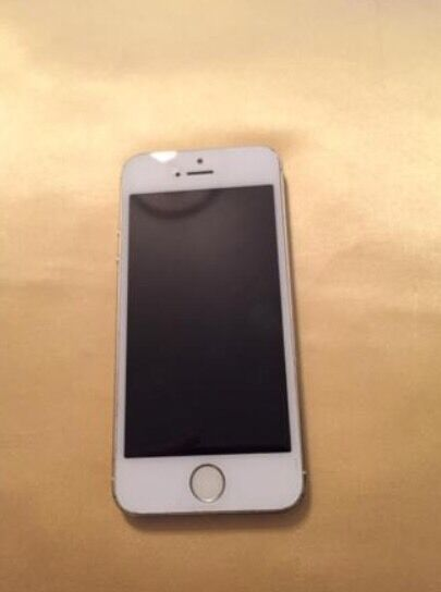 iPhone 5s, on EE, 16GBin Roundhay, West YorkshireGumtree - 16GB. iPhone 5s, locked to EE. Home button and Touch ID doesnt work but can be fixed locally for cheap or at the Apple Store. Small scratches on back of phone, not noticeable with phone case on.Everything else is in good condition and working...