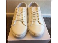 Brand New White casual soft Fleet worth £20