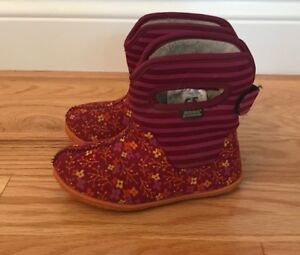 Toddler Bogs winter boots size 10