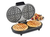 VonShef Dual Round Waffle Maker - 1200W makes 2 double boxed Almost New
