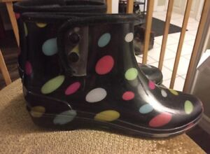Rubber boots size 8