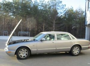 '01 Jaguar XJ8 Vanden Plas Edition! Parts or Fix!