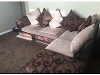 Corner settee £300