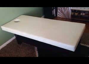 MASSAGE TABLE Alexander Heights Wanneroo Area Preview