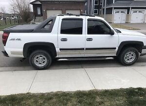 *****2004 Chevrolet Avalanche***** REDUCED