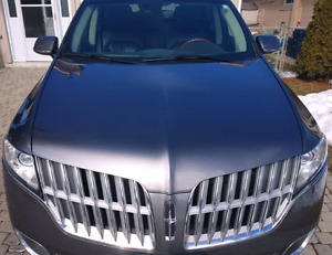 Lincoln 7 seat SUV model MKT