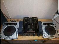 2 Pioneer CDJ 800's & Technics mixer