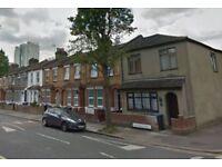 2 bedroom house in Marsden Road, London, N90